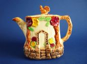 Charming Wade Heath Art Deco Hand Painted 'Squirrel' Teapot c1935